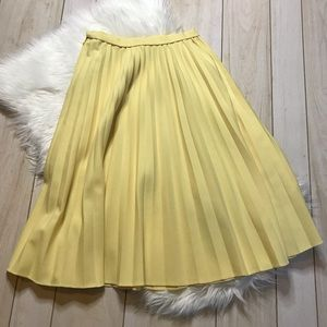 Vintage Yellow Pleated Calf Length Skirt